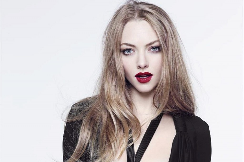 Amanda Seyfried Photoshoot Wallpaper
