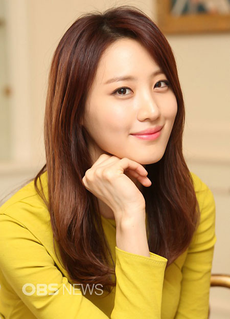 Claudia-Kim-Bobbi-Brown