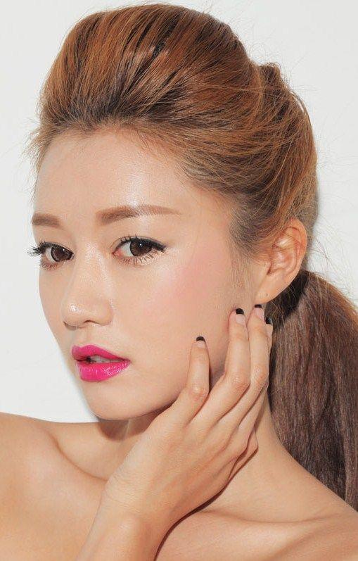 Platinum makeup match1