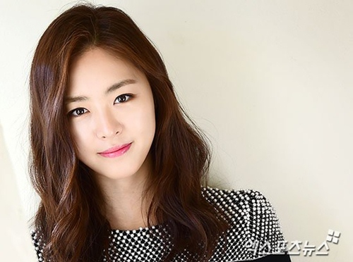 Lee-Yeon-hee-addresses-criticism-of-acting-skills