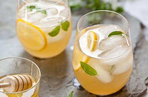 Whiskey-Lemonade-FoodieCrush-014