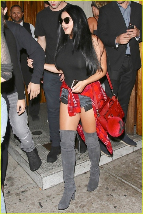 ariel-winter-steps-out-with-rumored-boyfriend-sterling-beaumon-31
