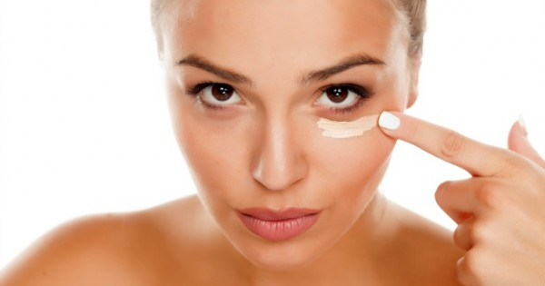 Best-Under-Eye-Concealer-Buying-Guide